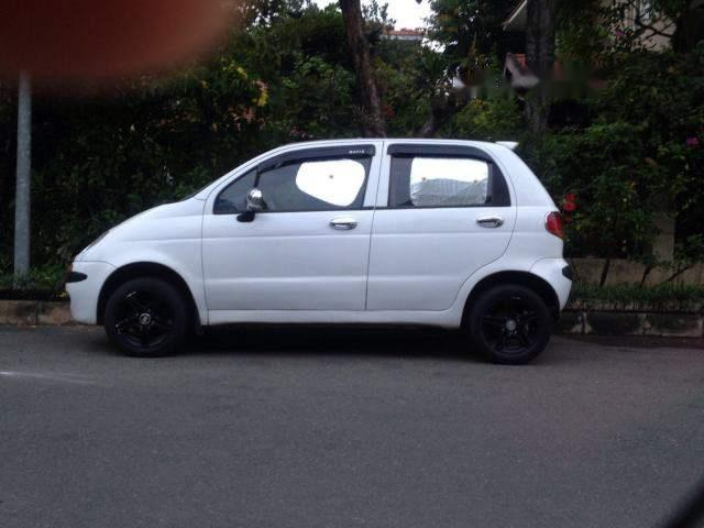 Cần bán gấp Daewoo Matiz năm 2000, màu trắng