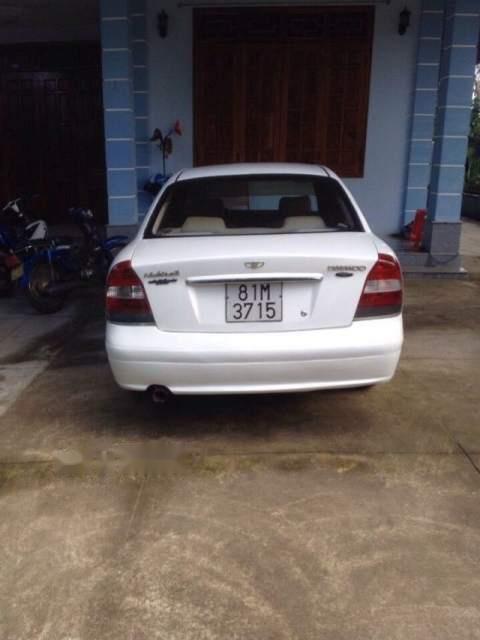 Cần bán lại xe Daewoo Nubira đời 2002, màu trắng xe gia đình, 150tr