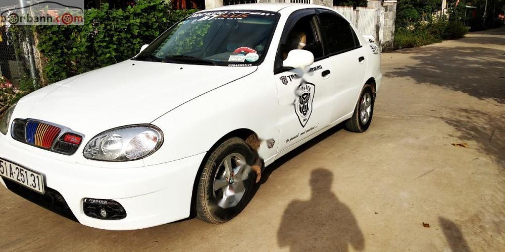 Cần bán lại xe Daewoo Lanos SX năm sản xuất 2004, màu trắng, giá tốt