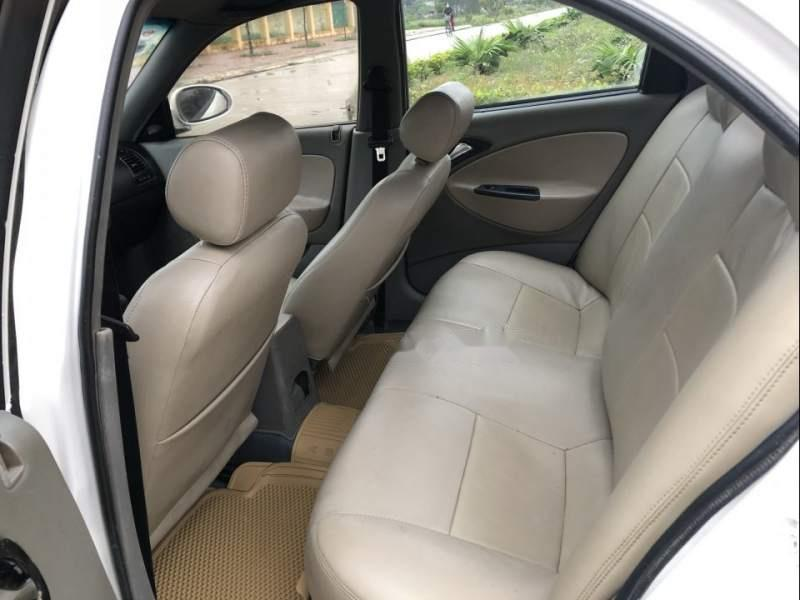 Bán lại xe Daewoo Nubira đời 2002, màu trắng như mới, giá tốt