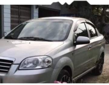 Cần bán Daewoo Gentra 2011, màu bạc, xe gia đình, giá 215tr