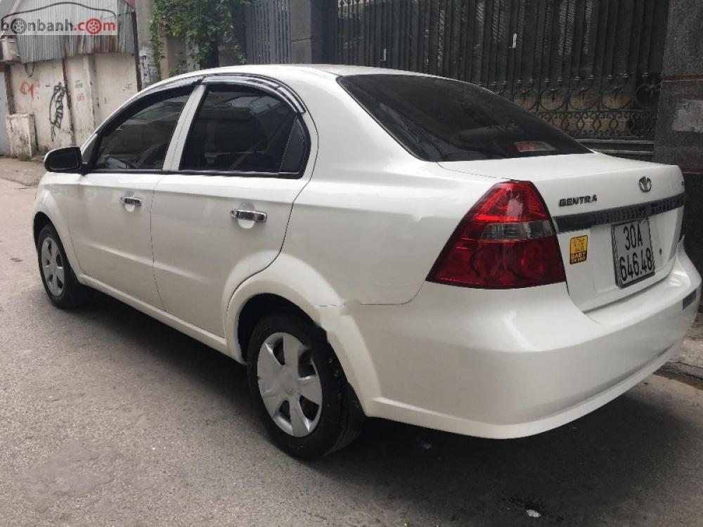 Bán Daewoo Gentra SXMT sản xuất năm 2009, màu trắng