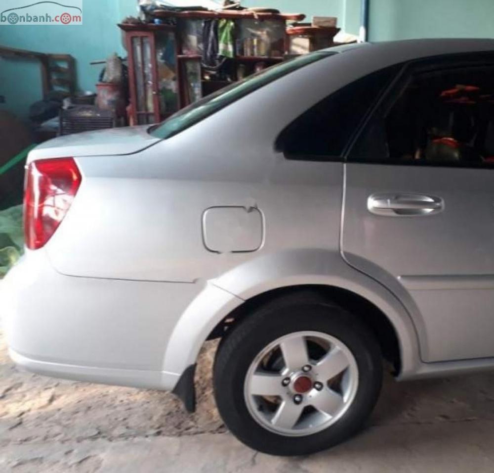 Cần bán xe Daewoo Lacetti EX sản xuất năm 2009, màu bạc số sàn