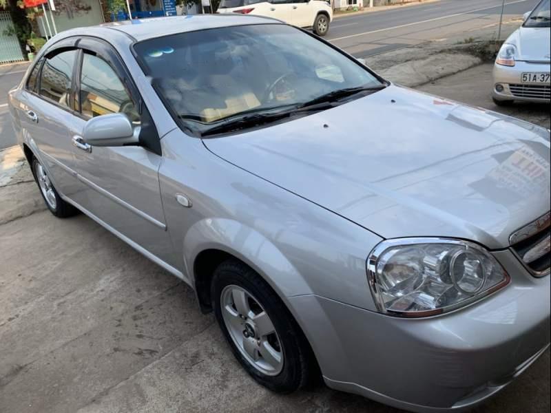 Bán Daewoo Lacetti năm sản xuất 2009, màu bạc, số sàn