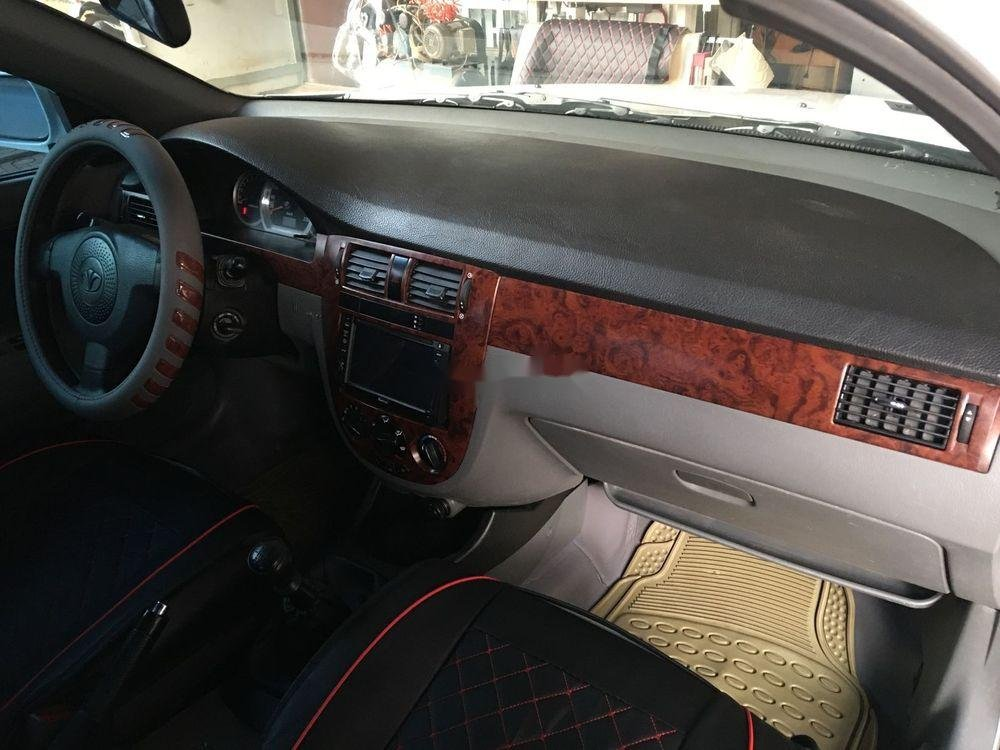 Bán xe Daewoo Lacetti đời 2009, màu trắng, giá tốt